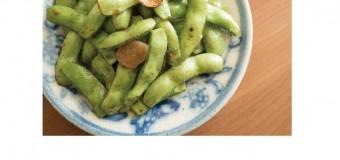簡単でおつまみにぴったり!枝豆のさやごと香り炒め